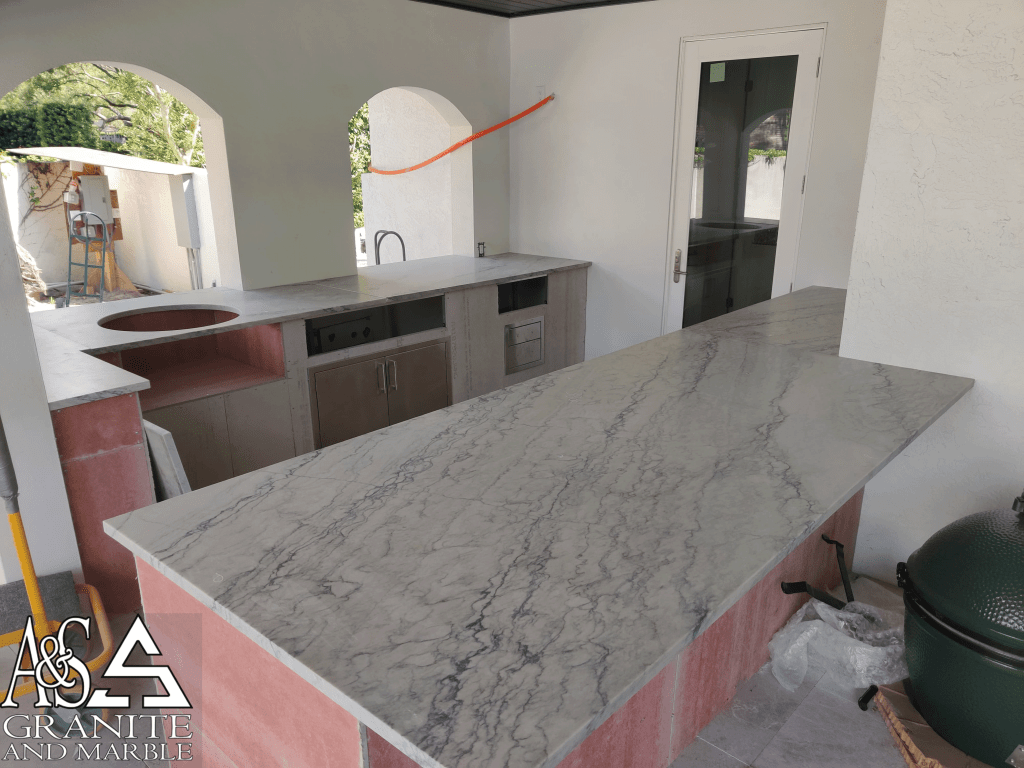 lincoln-marble-outdoor-kitchen-new-tampa