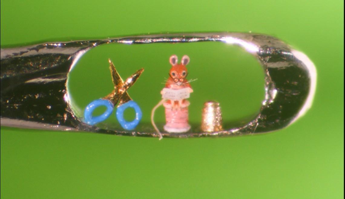 incredible micro-sculptor