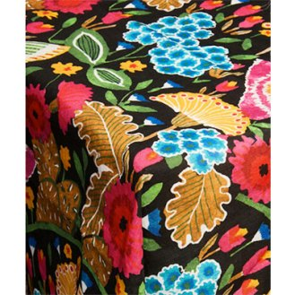 perfect tablecloth with flower motif