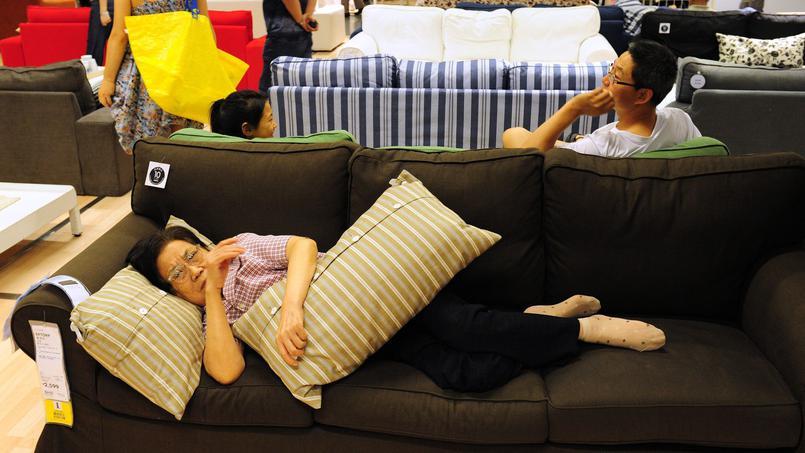 ikea interdit a ses clients chinois de dormir dans ses magasins