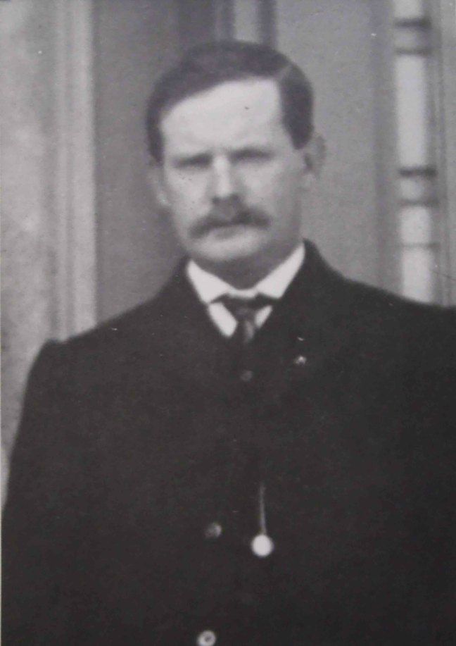 Robert Patterson, Worshipful Master of Ashlar Lodge, No.3 in 1916