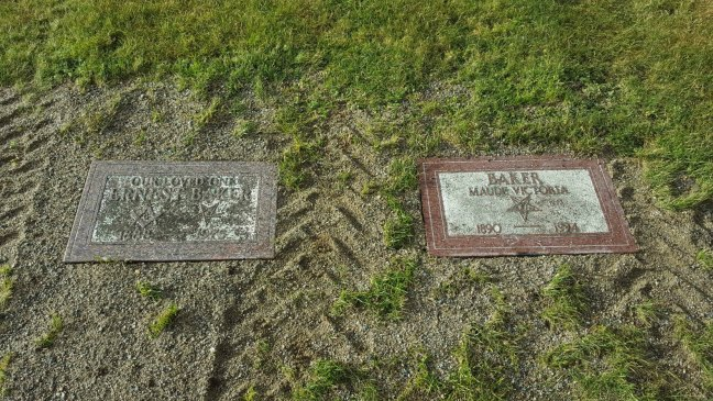Ernest Baker (left) and Maud Victoria Baker (right) grave markers, Bowen Road Cemetery, Nanaimo, B.C.