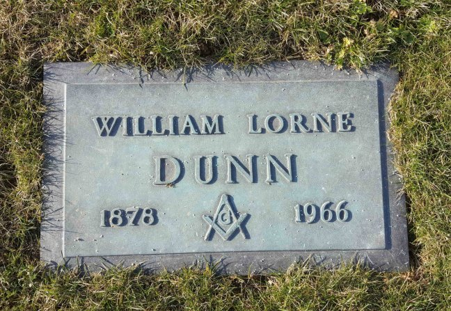 William Lorne Dunn grave marker, Bowen Road cemetery, Nanaimo, B.C. (photo by Ashlar Lodge No. 3 Historian)