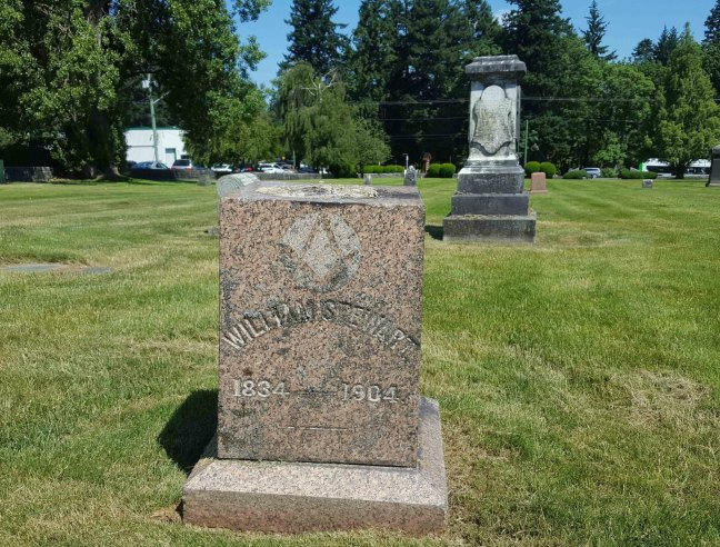 William Stewart grave inscription, Bowen Road cemetery, Nanaimo, B.C. (photo by Ashlar Lodge No. 3 Historian)