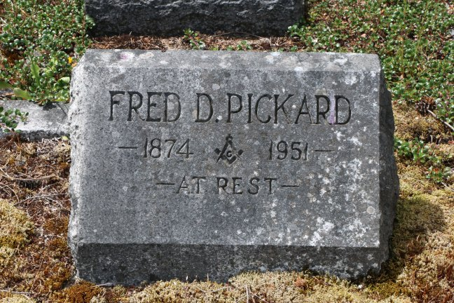 Fred Pickard grave, Cumberland cemetery, Cumberland, B.C. (photo: Ashlar Lodge No. 3 Historian)