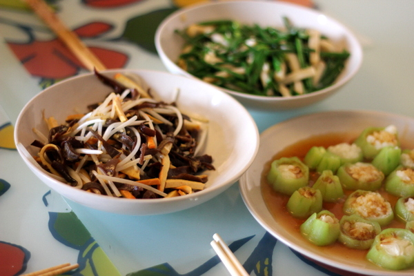 Home's Cooking Class: A Taste of Home-Cooked Chinese Cuisine