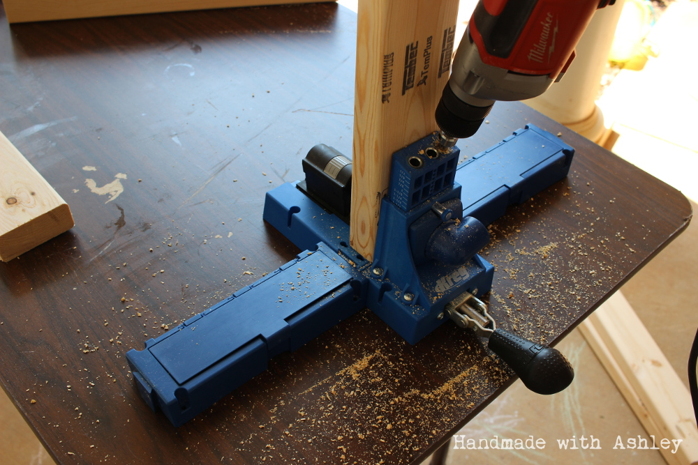 Creating pocket holes with the Kreg Jig