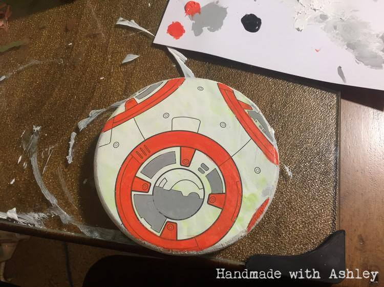 Painting BB-8's body