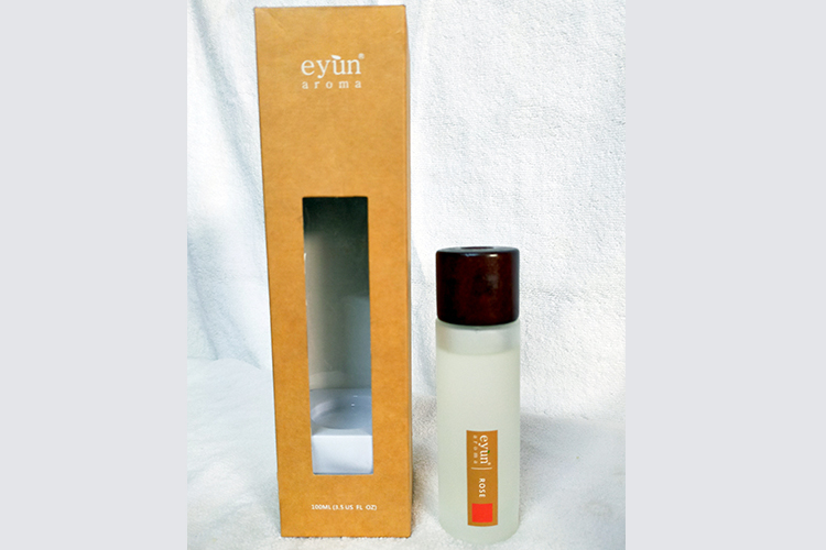 Eyun Aroma Essentials oil in stick reed diffuser