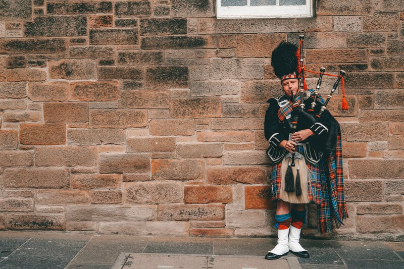 Bagpiper on the Royal Mile, Edinburgh