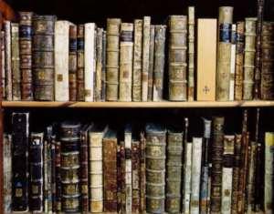 old-book-shelf