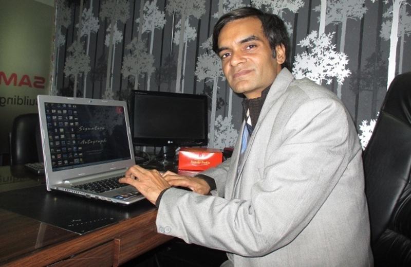 Ashu Gaur – Expat in several countries