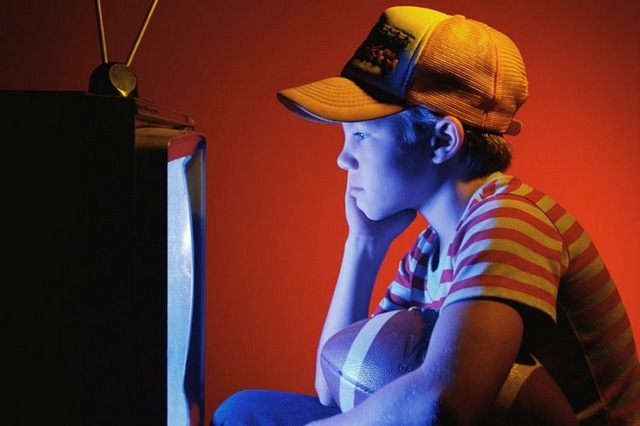 boy-watching-tv_2