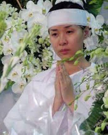 Vietnam donna funerale bianco