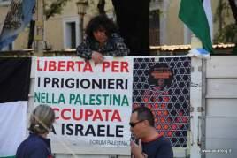 Liberta' per i prigionieri. Foto Alessio Fratticcioli