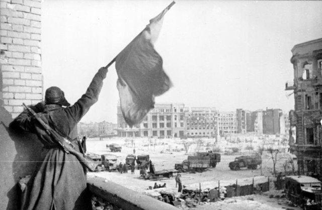 Bandiera Rossa a Stalingrado