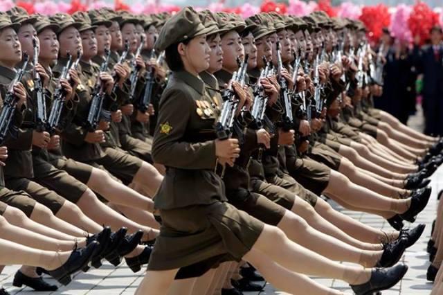 donne coreane coi fucili