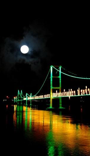 ponte pedonale a Tak