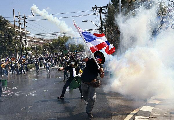 thai bangkok riots flag
