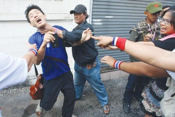Elettore malmenato dagli attivisti pdrc
