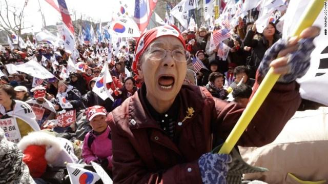 Corea del Sud, proteste dopo la destituzione della presidente Park