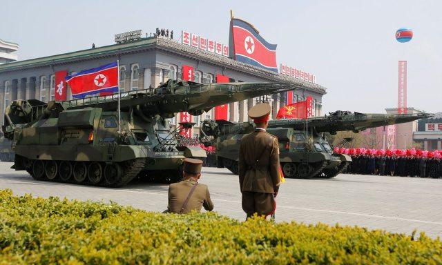 La mega-parata militare del 15 aprile 2017 a Pyongyang, in Corea del Nord. Il paese asiatico si dice «pronto alla guerra nucleare». Foto Sue-Lin Wong Reuters