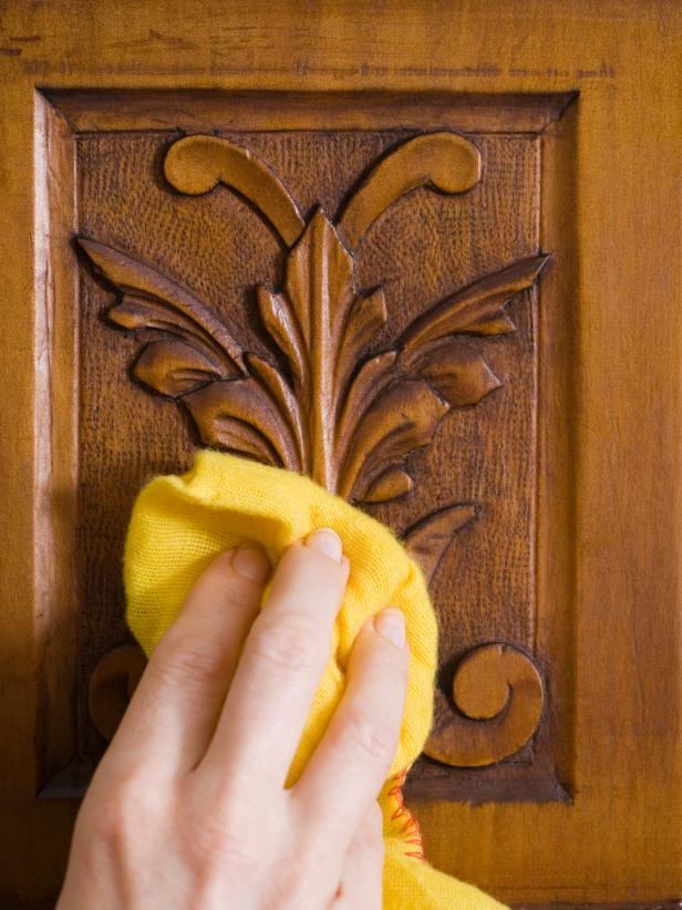 Cara Membersihkan Noda dari Furniture Jati