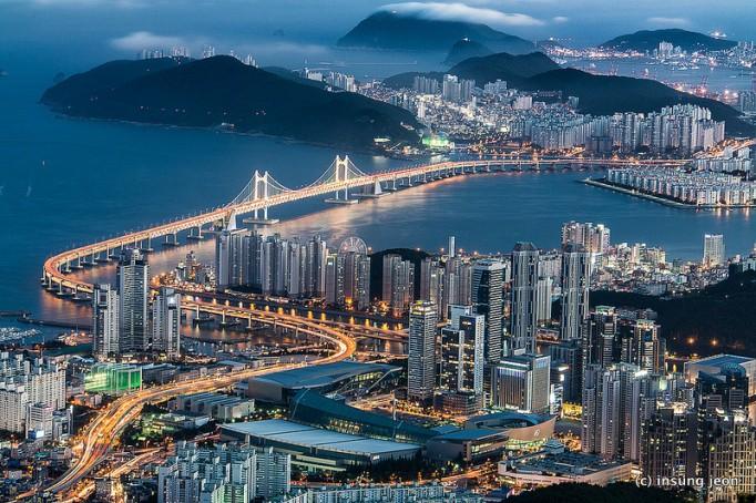 Gwangan-Bridge-광안대교-in-Busan-682x454