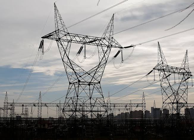 Pakistan blackout: National power grid breakdown plunges country into darkness