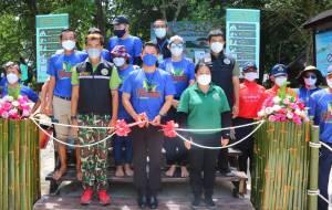 พังงา-กิจกรรมเก็บขยะ save for surf ที่หมู่เกาะสิมิลัน ต้อนรับเปิดฤดูกาลท่องเที่ยวและนำขยะพลาสติกผลิตเป็นกระดานเซิร์ฟสเก็ตอันแรกของประเทศไทย