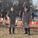 2012년 12월 19일 기마중대 훈련시찰에 나선 김정은과 장성택 (조선중앙통신에서 인용)