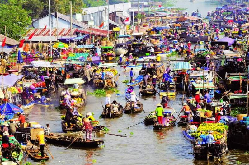 Experience A Day At Cai Rang Can Tho Floating Market