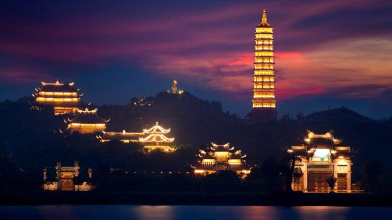 Bai Dinh Pagoda lights up at night