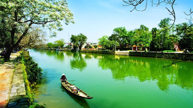 The eternal beauty of Hue river
