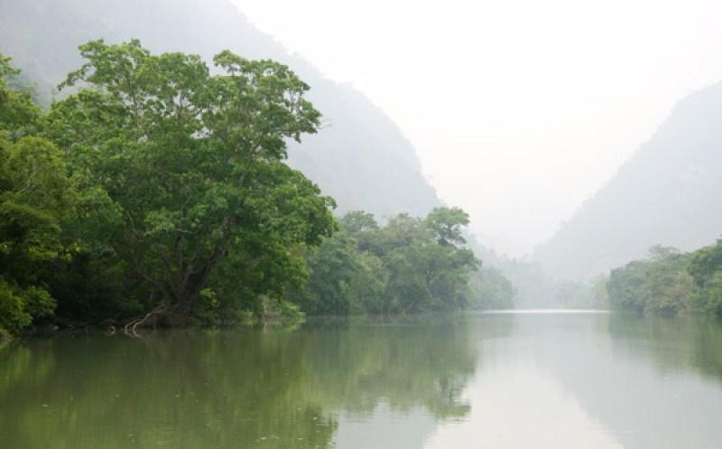 Visit Sapa river after visiting Coc Ly market