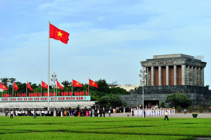 Visiting Ho Chi Minh Mausoleum and things to note