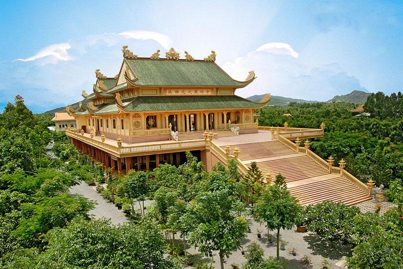 Vietnam Travel Guides 2017: Where To Go To Worship Buddha 5