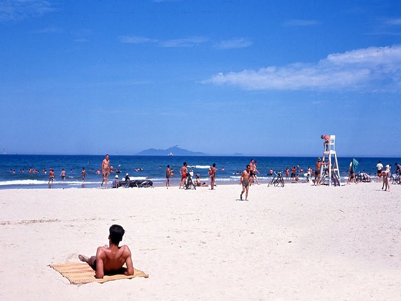 My-Khe-beach–perfect-destination-for-watersports2