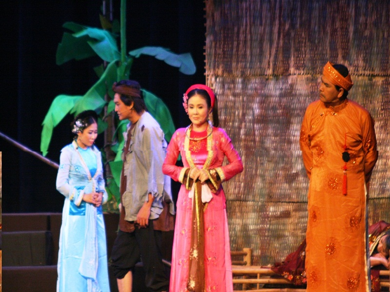 Cai-Luong – An-essential-part-of-Southern-Vietnamese's-cultural-and-spiritual-life3