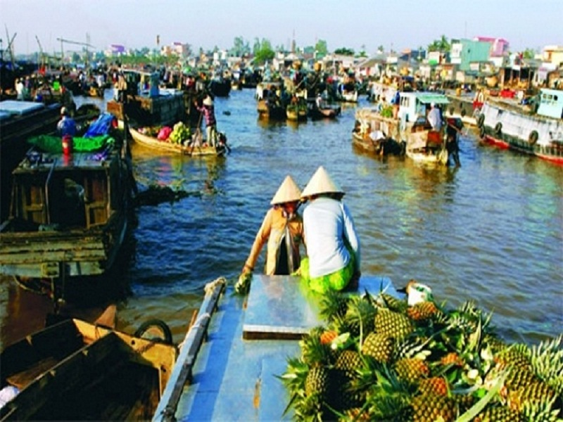 Top-5-Floating-Markets-in-Mekong-Delta-(part 2)1