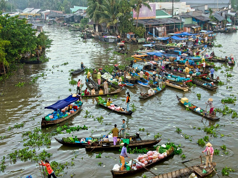 Top-5-Floating-Markets-in-Mekong-Delta-(part 2)2