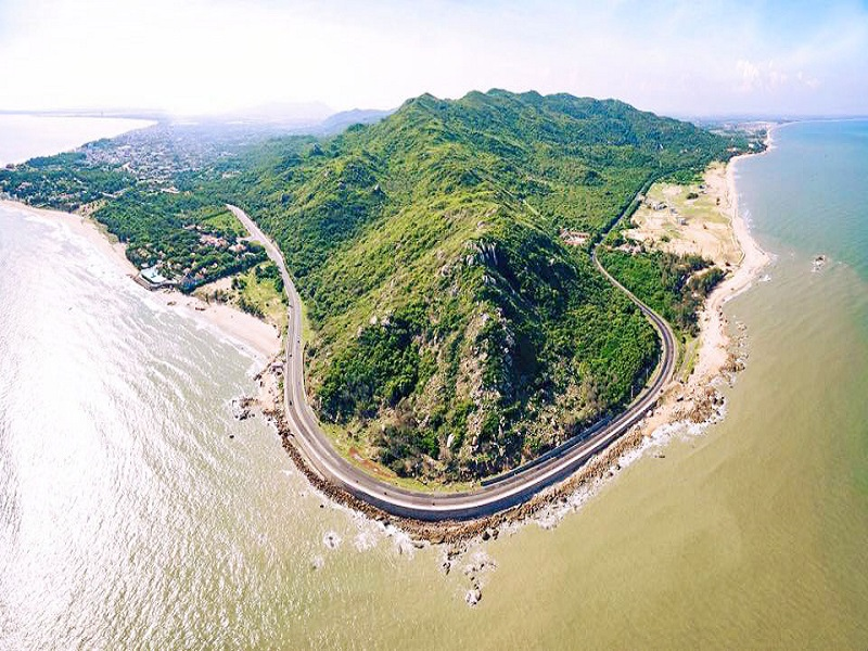 10-beautiful-spots-tourists-must-check-in-at-least-once-when-coming-to-Vung-Tau-(part 1)1