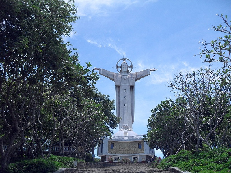 10-beautiful-spots-tourists-must-check-in-at-least-once-when-coming-to-Vung-Tau-(part 1)3