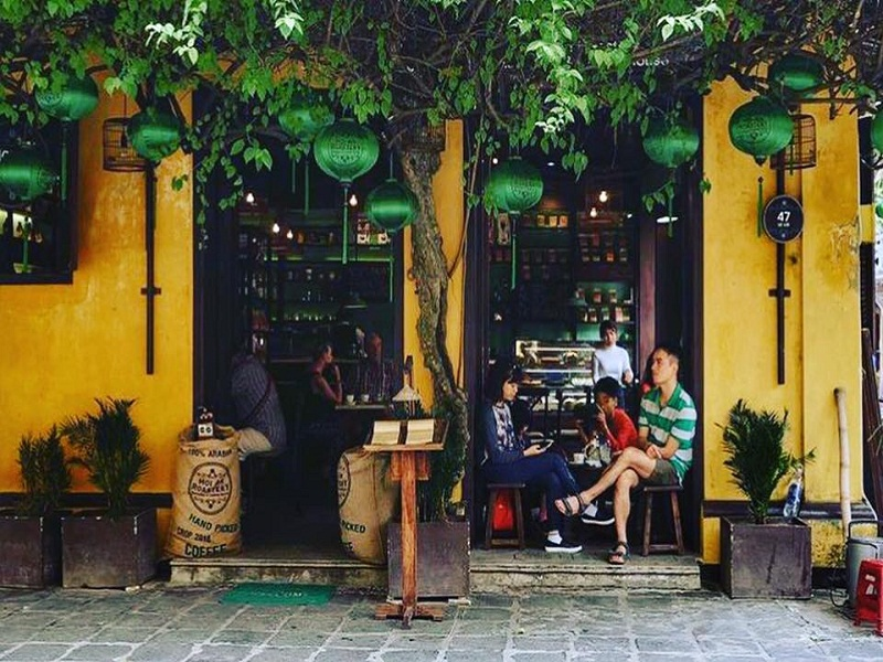 Coming-to-Hoi-An-don't-forget-to-check-in-these-6-new-and-very-pretty-cafes-(part 2)1