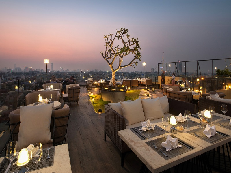 The-restaurants-with-magnificent-view-in-Hanoi1
