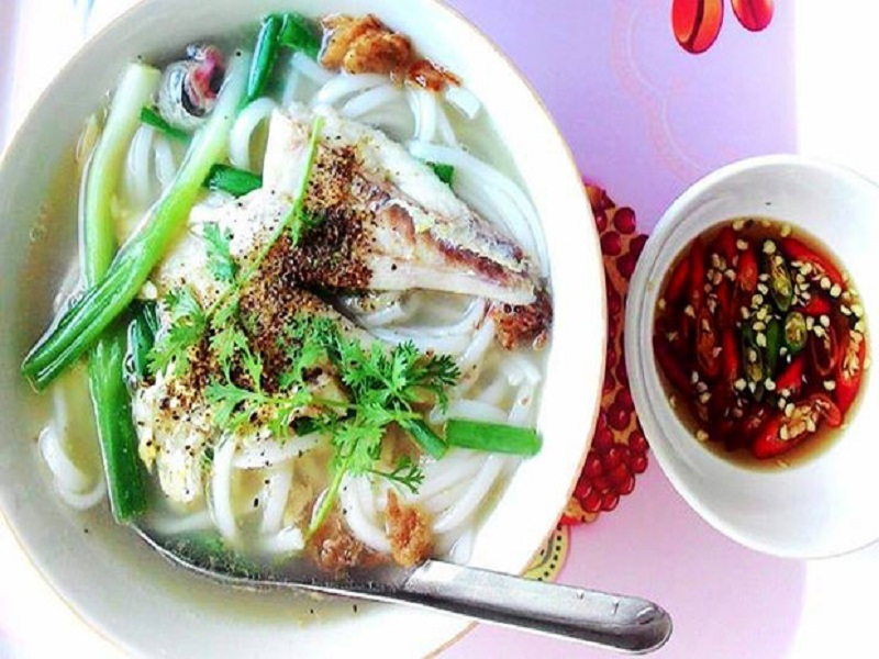 Experiencing-the-special-food-tour-in-Phan-Rang3