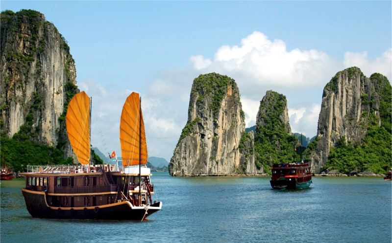 Top-4-amazing-travel-experiences-from-Vietnam-tours-reviews-1