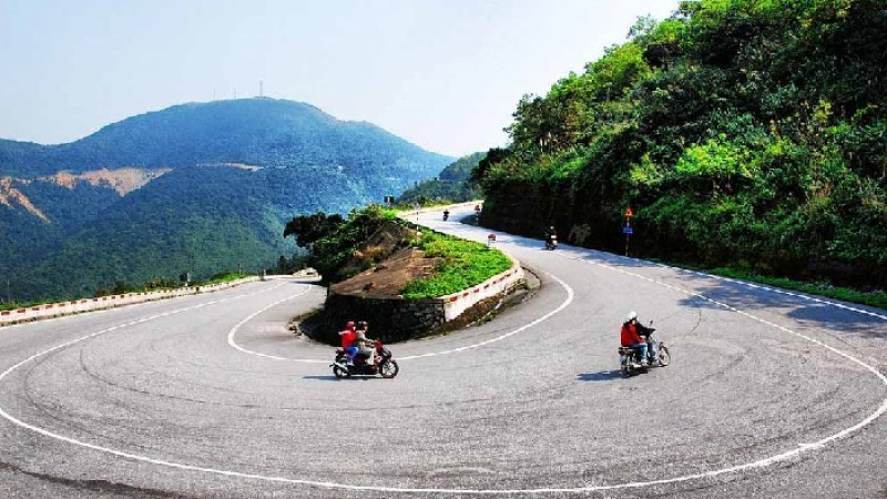 Experience motorcycle riding from Hoi An to Hue