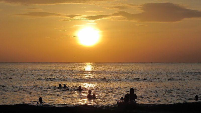 Da Nang Tourism: Bac My An beach has extremely cheap prices