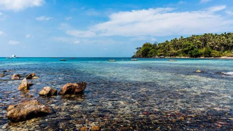 Discover  the wild character of  Ngu beach Nam Du Beach in Kien Giang